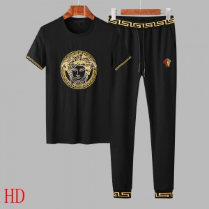 $65.00,2019 New Cheap Versace Tracksuits For Men For Men in 206343