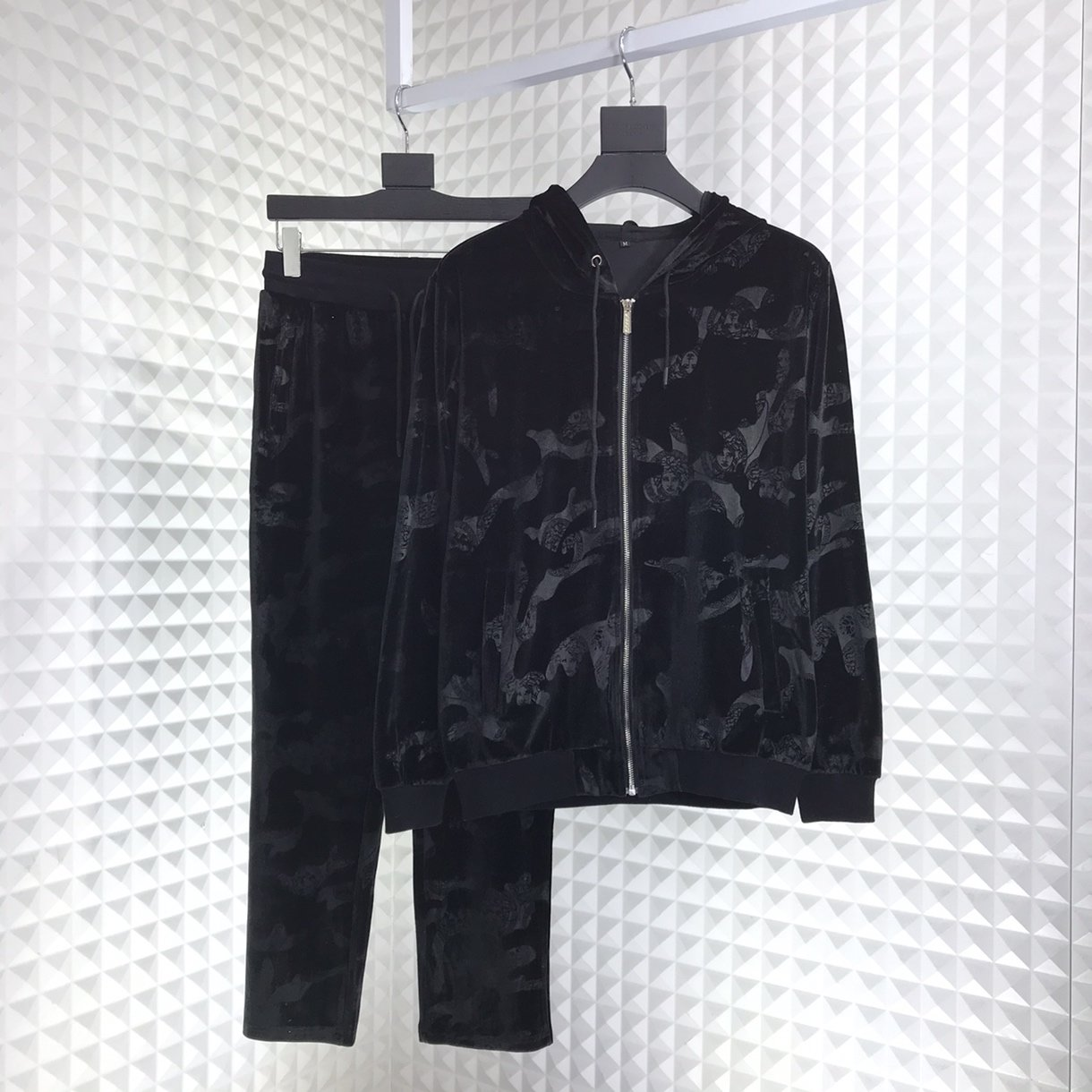 2019 New Cheap Gucci Tracksuits For Men # 211006, cheap Gucci Tracksuits, only $82!